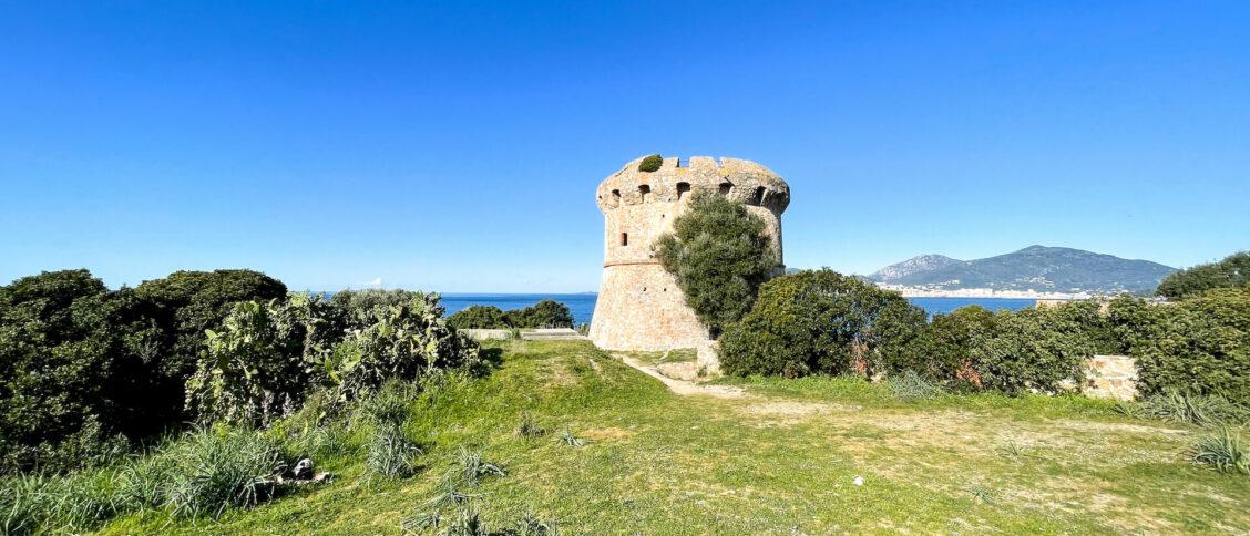 La tour de Capitello, Porticcio